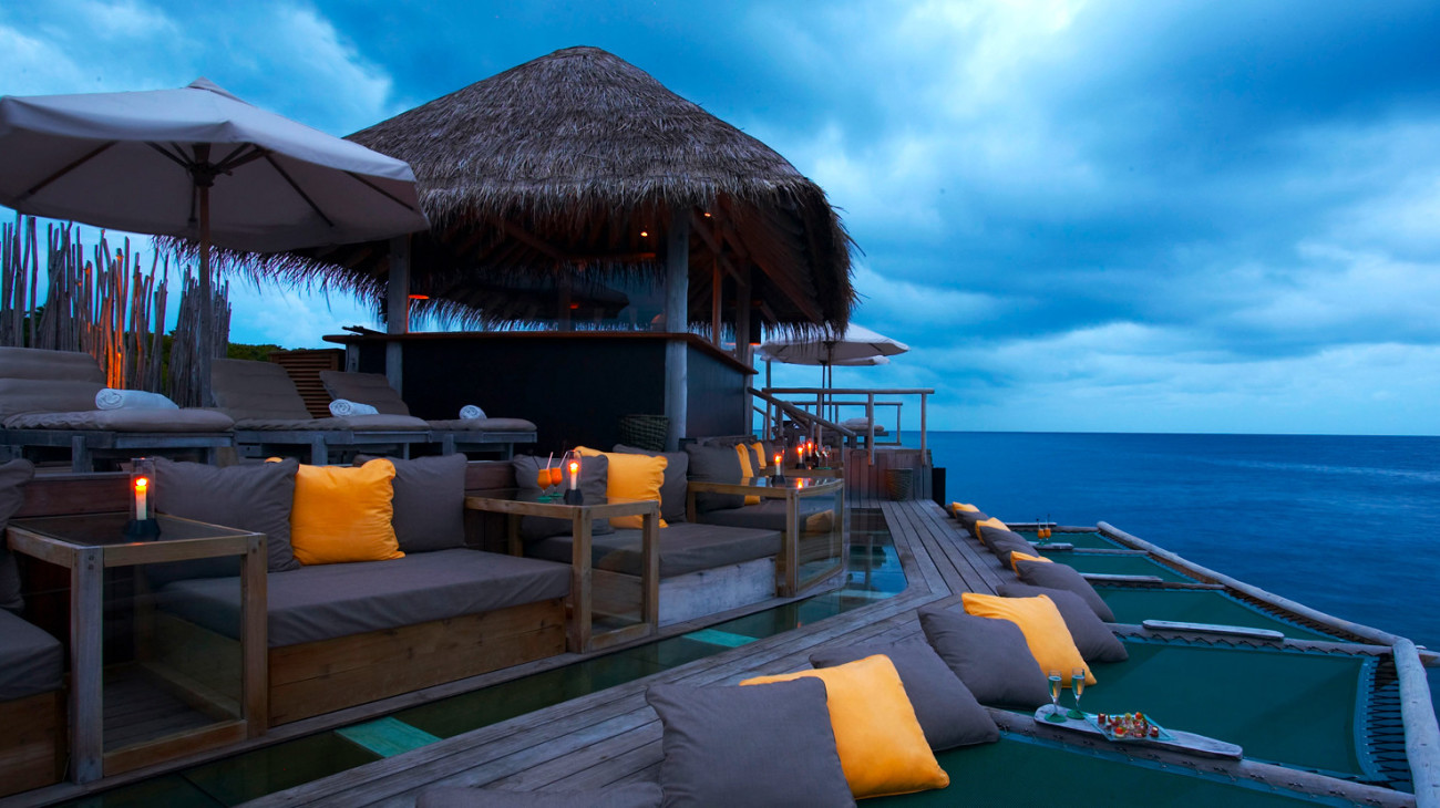 the-maldives-image-1-54e61a2dc093d.jpg (Gallery Full 1300x730)